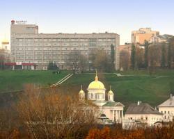 Азимут отель ***